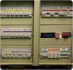 установка автоматов в электрощитке цена москва
